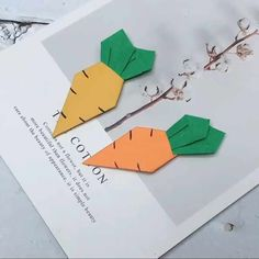 DIY kid crafts Today I share 10 easy crafts fun activities for kids, which is very suitable for children learn to think, improve their ability to do hands. Fun Activities For Kids, Diy Crafts For Kids, Easy Crafts, Arts And Crafts, Paper Crafts, Kids Diy, Star Fashion, Kids Learning, Halloween