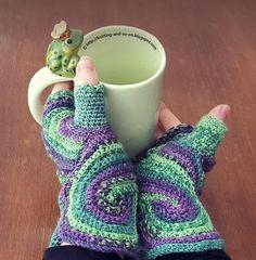 Octavo Fingerless Gloves   AllFreeCrochet.com