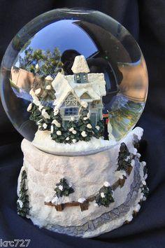 Thomas Kinkade Snow Globe Victorian Christmas House Music Box COA.  Are you ready for Christmas ?