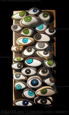 Tableau galets yeux