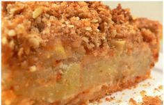 This will surely become one of your favorite apple pie recipes and the crumb topping is simply delicious! Apple Crumb Pie, Apple Slab Pie, Apple Pies, Pumpkin Apple Recipe, Apple Pie Recipes, Greek Desserts, Greek Recipes, Torta Pompadour, Tastee Recipe