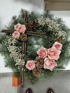 Wonderful Totally Free spring Funeral Flowers Strategies No matter whether you are preparing or perhaps joining, memorials are normally some sort of somber and in some. Church Flowers, Funeral Flowers, Tropical Floral Arrangements, Flower Arrangements, Funeral Gifts, Grave Decorations, Christmas Wreaths, Christmas Decorations, Funeral Tributes
