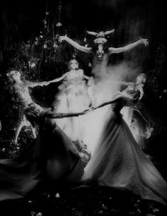 ImageFind images and videos about magic, horror and witch on We Heart It - the app to get lost in what you love. Dark Fantasy, Fantasy Art, Satanic Art, Arte Obscura, Occult Art, Season Of The Witch, Witch Art, Witch Aesthetic, Arte Horror