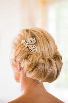 Gibson Roll | Wedding Hair Inspiration | Photo by M & J Photography