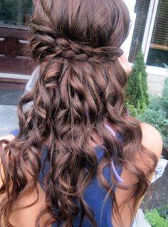 Brunette prom hairstyle #promhairstyle