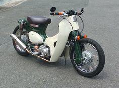 But matt black Honda Motorbikes, Honda Motorcycles, Custom Motorcycles, Moped Motorcycle, Moto Bike, Honda Cub, Custom Moped, Custom Bikes, Yamaha 650