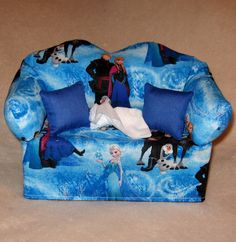 FREE SHIPPING-Frozen Sofa Tissue Box Cover by DBAYOU18 on Etsy