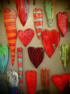 Wooden Hearts - Luon StPierre - looks good in salt dough or to . - Wooden Hearts – Luon StPierre – looks good in clay or clay? Clay Projects, Clay Crafts, Diy And Crafts, Projects To Try, Arts And Crafts, Heart Crafts, Happy Heart, Wooden Hearts, Heart Art