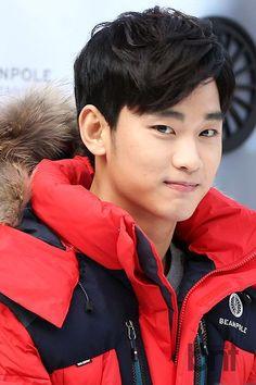 Kim Soo Hyun Brings Back the Cute Cheekiness at Recent Beanpole Event Asian Actors, Korean Actors, Korean Dramas, My Love From Another Star, Sung Kyung, Hallyu Star, Seo Joon, Kdrama Actors, Korean Men