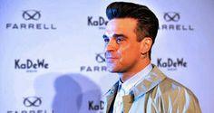 Robbie Williams und seine schöne Frau Ayda Field haben gemeinsam das dreizehn Monate alte Töchterchen Theodora. Doch die Zweifel, ob der Popstar ein guter Vater für sein Kind ist und ob er gut auf die Kleine aufpassen kann, bleiben offenbar weiterhin bestehen.