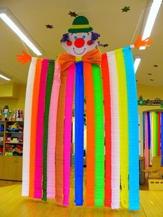 - Basteln - Best Picture For DIY Carnival booth For Your Taste You are looking for something, and it is going to tell y Kids Crafts, Clown Crafts, Circus Crafts, Diy And Crafts, Arts And Crafts, Paper Crafts, Carnival Themes, Circus Theme, Circus Party