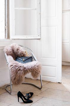 Chic Interieur 👠💕  #peaudemouton#kaja#taupe#cocooning#decoration#boheme