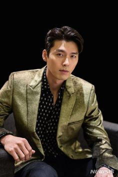 Hyun Bin Cool and Casual in New Media Pictorial