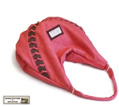 Zippered hobo/bag Sewing pattern/tutorial with knots in PDF version. $7.50, via Etsy.