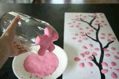 Such a cute idea for a little girl craft :)