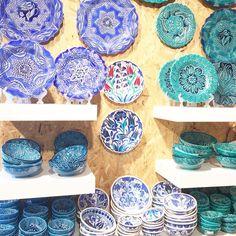 Greek plates, Santorini, Greece Santorini Greece, Serving Bowls, Greek, Plates, Tableware, Kitchen, Licence Plates, Cuisine, Dishes