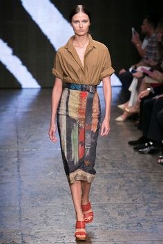 A look from the Donna Karan Spring 2015 RTW collection.