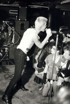 Generation X @ The Roxy Punk Club, London, early '77. I'm pretty sure this is their performance that's in Don Letts' The Punk Rock Movie ('78)