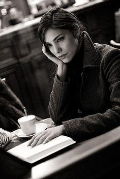 (SN) Black and White Fashion Photography by Nikola Borissov Café Sexy, People Drinking Coffee, People Reading, Pause Café, Little Paris, Coffee Girl, Coffee Drinkers, Coffee Cafe, Coffee Shops