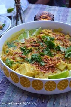 Vegan fish sauce or soy sauce.Gormandize: Vegan Ohn No Khao Swe (Burmese Noodles) with Chickpea Tofu Raw Food Recipes, Indian Food Recipes, Asian Recipes, Vegetarian Recipes, Cooking Recipes, Healthy Recipes, Ethnic Recipes, Vegan Blogs, Burmese Food