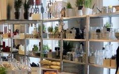 Homeart tarjoaa skandinaavisen tyylin huonekaluja ja sisustustarvikkeita. Täältä teet hauskoja löytöjä. Voit myös nauttia kupposen kaupan kahvilassa. Homeart sijaitsee trendikkäässä luovien alojen yrityskeskittymässä Loomelinnakissa. #scandinavianstyle #loomelinnak #whitestuff