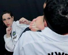 Female Martial Artists, Martial Arts Women, Taekwondo Girl, Karate Kick, Tough Woman, Teen Girl Poses, Female Fighter, Female Supremacy, Muay Thai