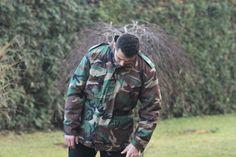 Táto bunda je prepracovaná do najmenších detailov, kvalitné švy, extrémne odolný materiál. Ak vie niekto urobiť kvalitnú M-65ku za priateľnú cenu, tak je to Helikon-Tex. http://www.armyoriginal.sk/2868/87853/us-maskacova-bunda-m65-genuine-woodland-helikon.html