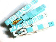 BEACH CLOTHESPINS magnetic hand painted por SugarAndPaint en Etsy, $12.00