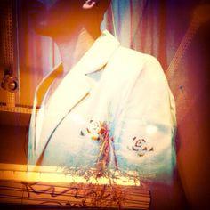 """http://heroina-alexandrelinhares.blogspot.com.br/2013/11/marcel-veste-metade-de-frida-e-diego.html  Marcel veste metade de """"frida e diego, camille e auguste, gabriele e vassili, niki e jean, jeanne-claude e christo, ..."""""""