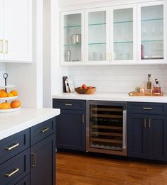 Beautiful white and blue kitchen cabinets decor Beautiful Blue Kitchens I Love - jane at home Two Tone Kitchen Cabinets, Kitchen Cabinet Design, Interior Design Kitchen, Navy Cabinets, Upper Cabinets, Shaker Cabinets, Kitchen Cabinetry, Two Toned Cabinets, Two Toned Kitchen