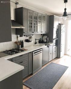 Grey Kitchen Designs, Kitchen Pantry Design, Home Decor Kitchen, New Kitchen, Ikea Kitchen Cabinets, Kitchen Cabinet Colors, Small Modern Kitchens, White Shaker Kitchen, Cottage Kitchens