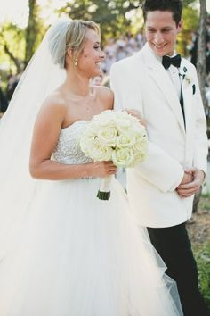 Real bride Ashley wore an Amsale gown down the aisle for her Dallas wedding #real weddings