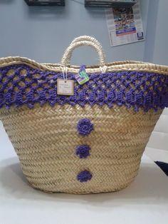 By Clara crochet: Capazos de palma natural, decorados a ganchillo.