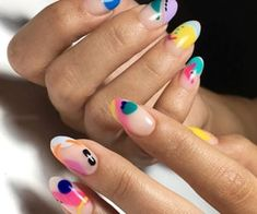 If you can blob it, you can do it! I loooove perfectly imperfect designs that look like modern art and don't require a steady hand! Tie Dye Nails, Nagellack Design, Nagellack Trends, Halloween Acrylic Nails, Cute Acrylic Nails, Pastel Nails, Minimalist Nails, Nail Swag, Beauty Tricks