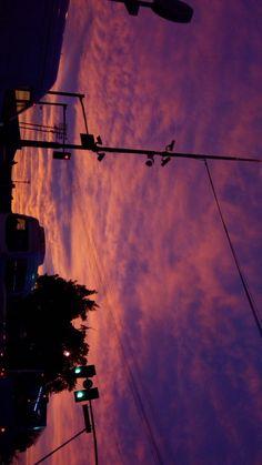 or sunrise? :)sunset or sunrise? 🙂 or sunrise? :)sunset or sunrise? Pretty Sky, Beautiful Sky, Beautiful Pictures, Sunset Wallpaper, Wallpaper Backgrounds, Purple Sky, Sunset Sky, Sunrise Sunrise, Sky Aesthetic