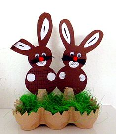 Easter is quite a famous festival in the Christian nations. On the contrary, sending it wishes to your love require a little more charm, and you need . Summer Crafts For Kids, Diy For Kids, Christian Holidays, Diy And Crafts, Paper Crafts, Egg Carton Crafts, Bunny Crafts, Easter Activities, Egg Decorating
