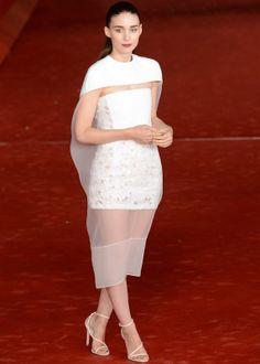 Rooney Mara, espectacular con vestido de Balenciaga primavera 2014