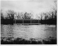 Hedrich Blessing photo | Mies van der Rohe Farnsworth House