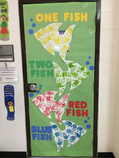 New Class Room Door Ideas February Dr. Seuss 16 Ideas Informations About New Class Room Door Ideas F Toddler Classroom Decorations, Dr Seuss Decorations, Kindergarten Classroom Decor, Classroom Themes, Modern Classroom, Spanish Classroom, Preschool Door Decorations, Preschool Bulletin, School Decorations