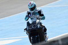 MotoGP 2016 | Miguel Oliveira - Moto 2 | É já este fim-de-semana no Qatar que vamos assistir ao arranque da nova temporada de MotoGP 2016.  O circuito de Losail é o palco onde se disputa a primeira das 18 corridas previstas no calendário.  Na Lusomotos estamos todos a torcer pelo Miguel Oliveira! Desejamos muita sorte e muito sucesso já a partir de hoje há tarde e no domingo especialmente, pelas 16:20!  #migueloliveira #migueloliveira44b #lusomotos #shark #MotoGP #QatarGP #Moto2