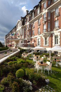 Hôtel Westminster, Le Touquet-Paris-Plage, Pas-de-Calais. Westminster, Gran Hotel, Le Havre, Casino Royale, Ciel, Cancun, Wonderful Places, Monaco, Places Ive Been