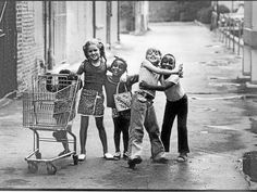 This 1973 photo of five children playing in a Detroit suburb has gone viral on the Internet.