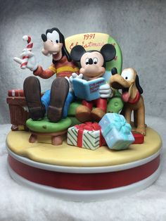 """The Disney Collection, Grolier, Christmas 1991 """"The Night Before Christmas"""" Original Figurine Designed By The Walt Disney Artists, Mint on Etsy, $25.95"""
