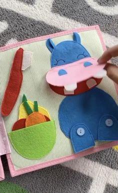 Diy Busy Books, Diy Quiet Books, Baby Quiet Book, Felt Quiet Books, Baby Crafts, Felt Crafts, Homemade Kids Toys, Diy Montessori Toys, Quiet Book Templates