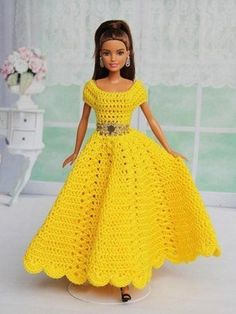 "6 Häkelanleitungen + 1 Nähanleitung Puppenkleidung Serie ""Swing"" Knitting TechniquesKnitting For KidsCrochet Hair StylesCrochet Baby Barbie Clothes Patterns, Crochet Barbie Clothes, Doll Clothes Barbie, Clothing Patterns, Dress Patterns, Barbie Doll, Crochet Barbie Patterns, Crochet Doll Dress, Sewing Patterns"