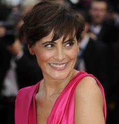 Ines de la Fressange (54) simple French élégance