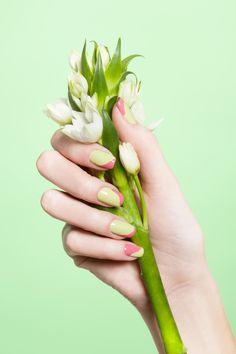 Nageldesign Frühling - Pastellgrün und Rosa kombinieren