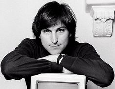 Steve Jobs was a man of contradictions. In Steve Jobs, a biography by Walter Isaacson, his groundbreaking ideas and spectacular technological breakthroughs run like a torrent th. Steve Jobs Autobiography, Steve Jobs Biography, Steve Jobs Book, Steve Jobs Photo, Norman, Steve Wozniak, Tim Ferriss, Michael J, Writers