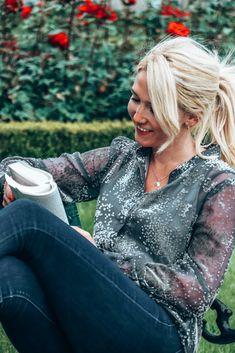 #weekend #wochenende #bookclub #weekendvibes #bookinspo #prettylittleinspo #blondegirl #happygirls #weekendmood #bookideas #kkkeiki #madeleinefashion #austrianblogger Spring Outfits