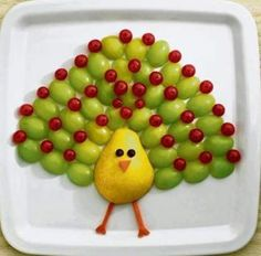 Creative Food Decoration Ideas For Chef Moms Vegetable Animals, Fruit Animals, Fruit Party, Snacks Für Party, Fruit And Veg, Fruits And Vegetables, Veggie Plate, Dressing For Fruit Salad, Food Art For Kids